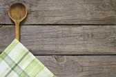 Abstrakte Essen Background auf Vintage-Motherboards mit Holzlöffel — Stockfoto