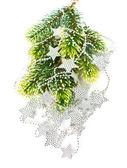 Albero di natale con ghirlanda di stelle d'argento — Foto Stock