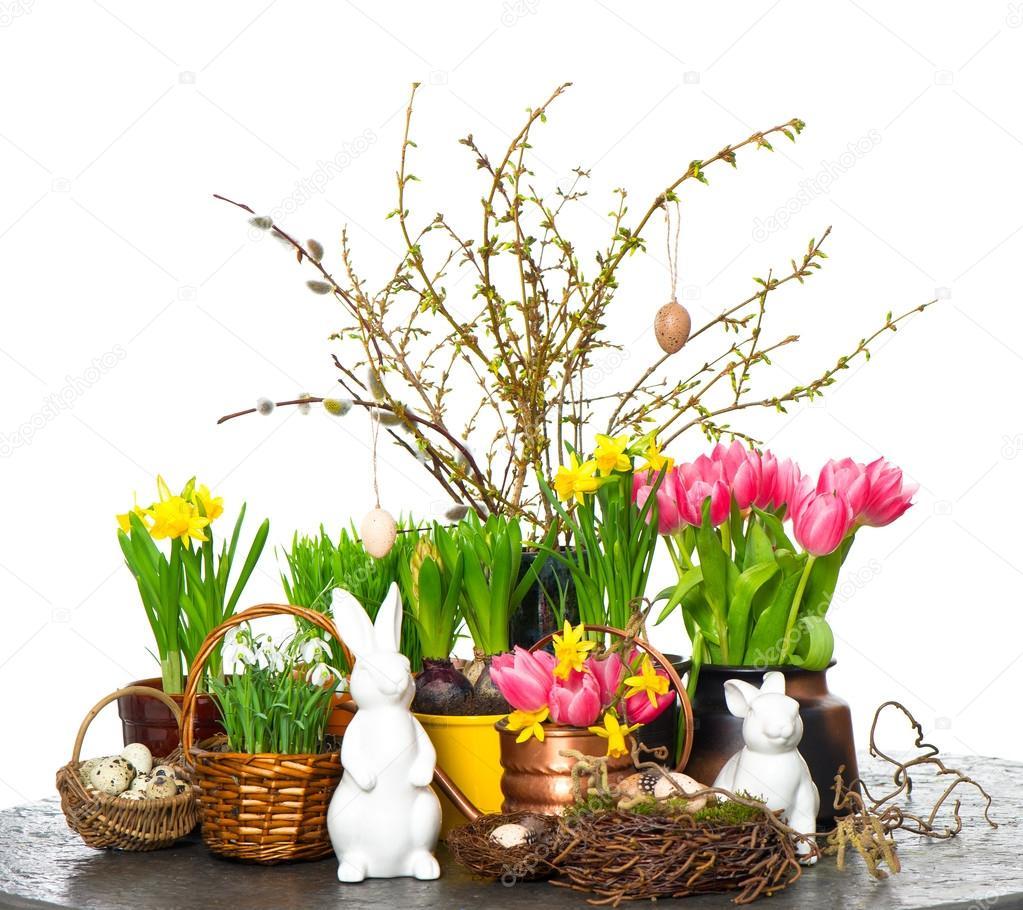fr hlingsblumen mit ostern osterhase und eiern dekoration stockfoto 13402438. Black Bedroom Furniture Sets. Home Design Ideas