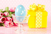 Vintage easter egg, pink tulips and gift box — Stock Photo