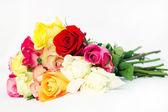 Bukiet świeżych róż multicolor — Zdjęcie stockowe