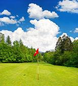 Pole golfowe. europejski krajobraz — Zdjęcie stockowe