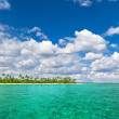 Landscape of tropical island beach with cloudy sky — Stock Photo