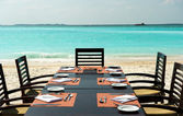 Cena en playa exótica — Foto de Stock