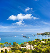 View of luxury resort and bay of Villefranche — Stock Photo