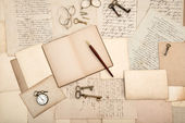 Vintage accessories. old letters and cards — Stock Photo