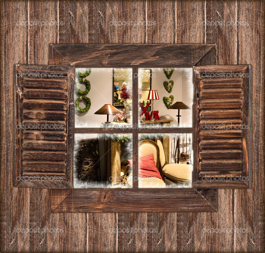holzwand mit fenster und weihnachten innen stockfoto. Black Bedroom Furniture Sets. Home Design Ideas