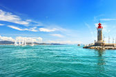 Faro de saint-tropez. hermoso paisaje mediterráneo — Foto de Stock