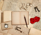 Antique accessories, old letters, watch, red rose — Foto Stock