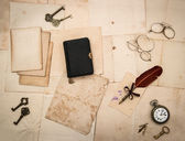 Vintage things, diary book, old letters and photos — Stock Photo