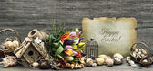 Nostalgic easter decoration with eggs and tulip flowers — Fotografia Stock