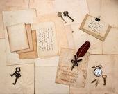 Vintage harfler ve elle yazılmış kartpostal — Stok fotoğraf