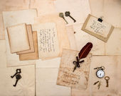 Vintage letters and handwritten postcards — 图库照片