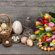 Vintage easter decoration with eggs and flowers — Stock Photo