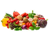 Group of fresh vegetables and herbs — Stockfoto