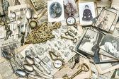 Antieke spaarartikelen goederen — Stockfoto