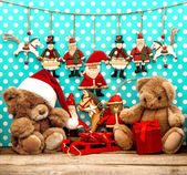 Christmas decorations with antique toys and teddy bear — Foto de Stock