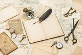 Collectibles, antique accessories, old letters — Stock Photo