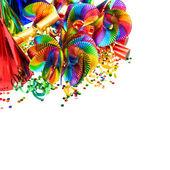Decoração de carnaval. guirlandas, serpentina e confete — Fotografia Stock