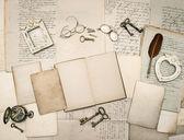 老式写配件、 旧信和框架 — 图库照片