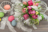 Tulip flowers with easter eggs. vintage decoration — Stock Photo