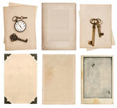 Aged paper sheets and vintage photo cards — Stockfoto