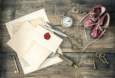 Antique office supplies and writing accessories. nostalgic still — Stockfoto