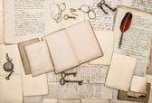 Antique accessories and office tolls, old letters and postcards — ストック写真