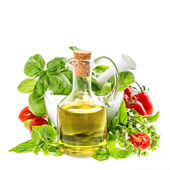 Olive oil, fresh basil leaves and tomatoes. italian food ingredi — Stock Photo