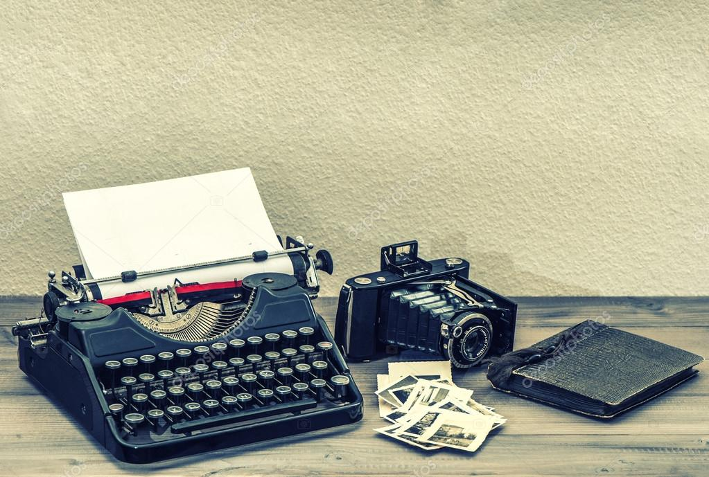 http://st.depositphotos.com/1592314/4957/i/950/depositphotos_49571839-stock-photo-antique-typewriter-and-vintage-photo.jpg