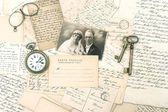 Old letters and postcards, antique accessories and photo — Стоковое фото