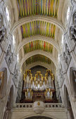 Interior of Madrid s Almudena Cathedral - Spain — Stock Photo