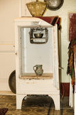 Very old refrigerator — Stock Photo