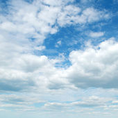 Light clouds in the blue sky — Stock Photo