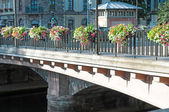Красивый мост в городе — Стоковое фото