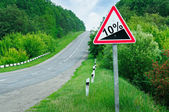 Road sign steep slope — Stock Photo