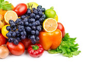 Set of different fruits and vegetables — Stock Photo