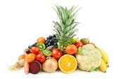 不同水果和蔬菜在白色背景上的一套 — 图库照片
