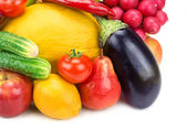 Fruits and vegetables isolated on white background — Stock Photo