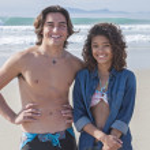 Happy couple at beach — Stock Photo #37655375