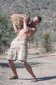 Boulder lifting — Стоковое фото