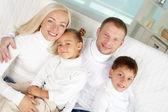 在白色的家庭 — 图库照片