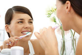 Polishing teeth — Stock Photo