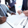 Signing contract — Stockfoto