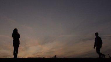 закат возлюбленных — Стоковое видео