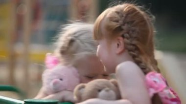 Little girls — Stockvideo