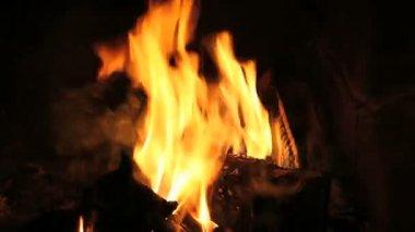 Heta lågor — Stockvideo
