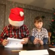 Sending Christmas letter - Stok fotoraf