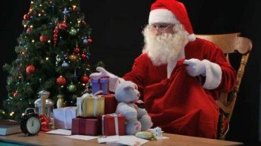 Santa with sack — Стоковое видео