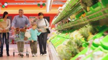 Shopping family — Stock Video